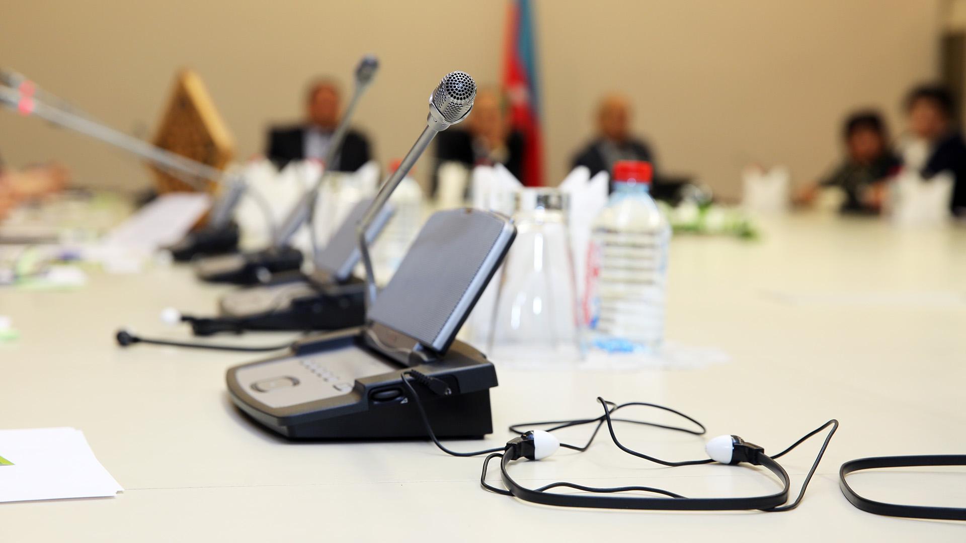 Dolmetschleistungen für EBR-Konferenzen
